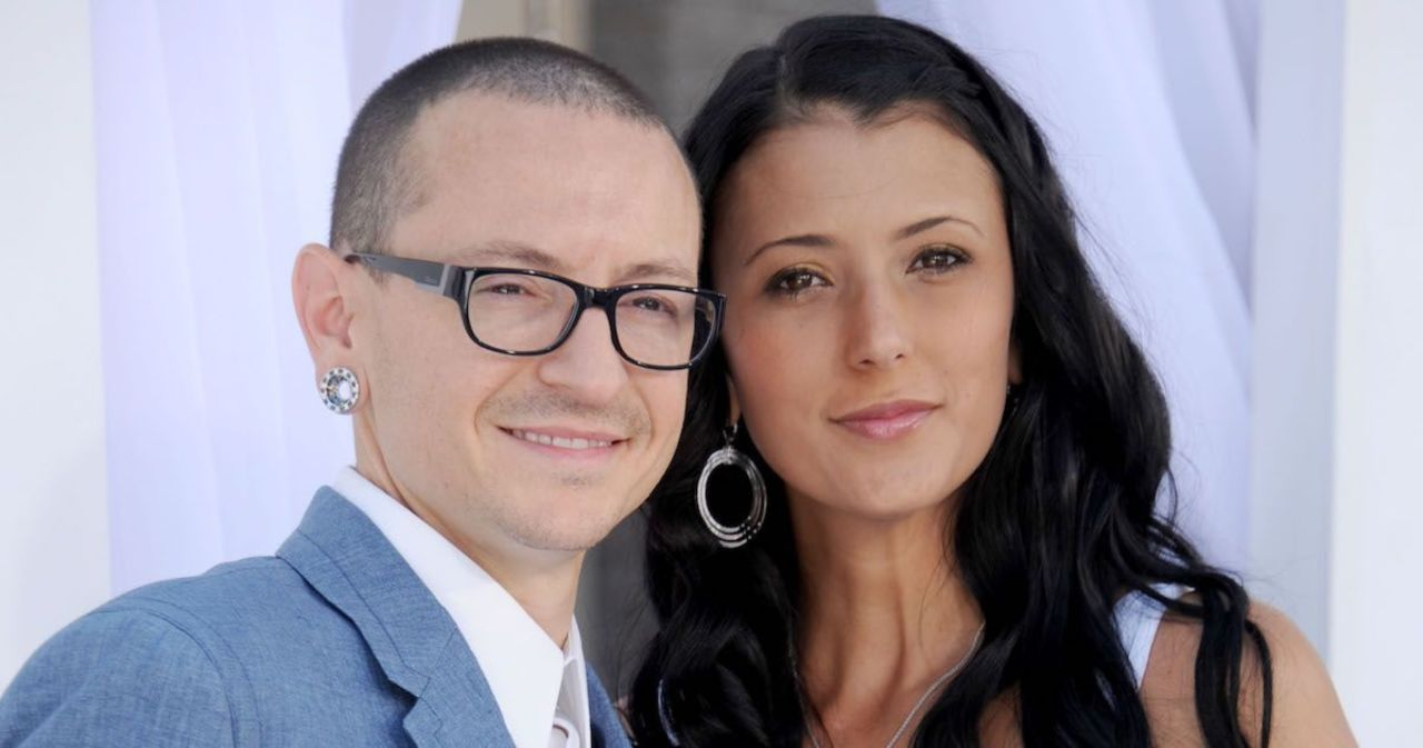 Chester Bennington's Wife Pays Tribute to Late Husband on Anniversary of His Death.jpg