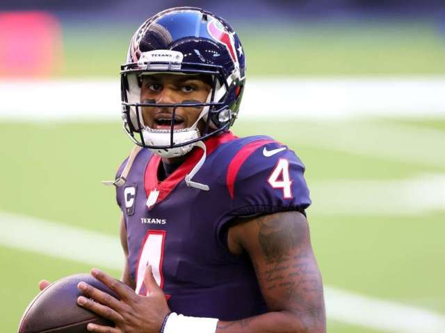 Deshaun Watson Reportedly Unhappy With Texans, and NFL Fans Want Him Traded