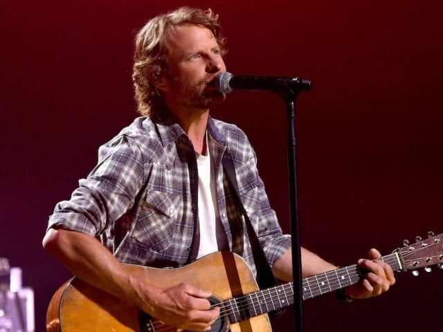 Dierks Bentley Shares Acoustic Performance of New Song 'Tell 'Em Right Now'