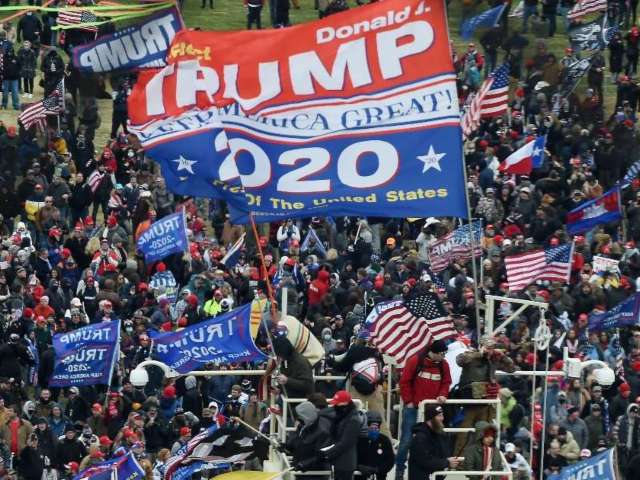 Donald Trump Won't Issue Stronger Statement to 'Calm Riots' Against Mob, Despite Aides' Pleas
