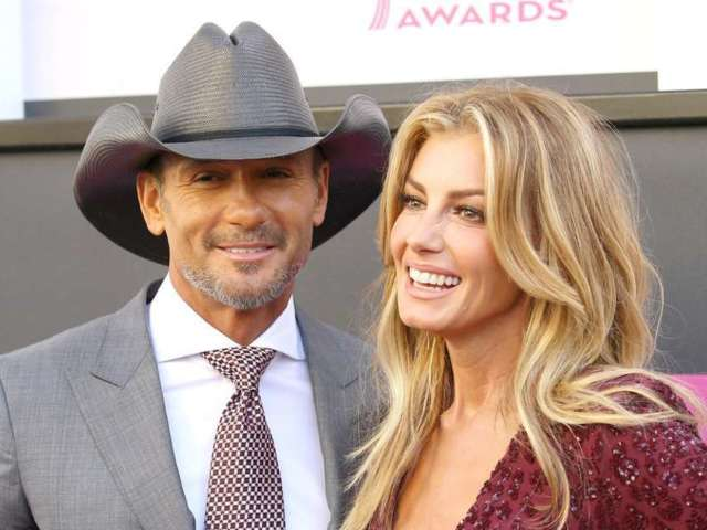 Faith Hill and Tim McGraw's Daughter Audrey McGraw Lays out in Gorgeous Ocean Snap