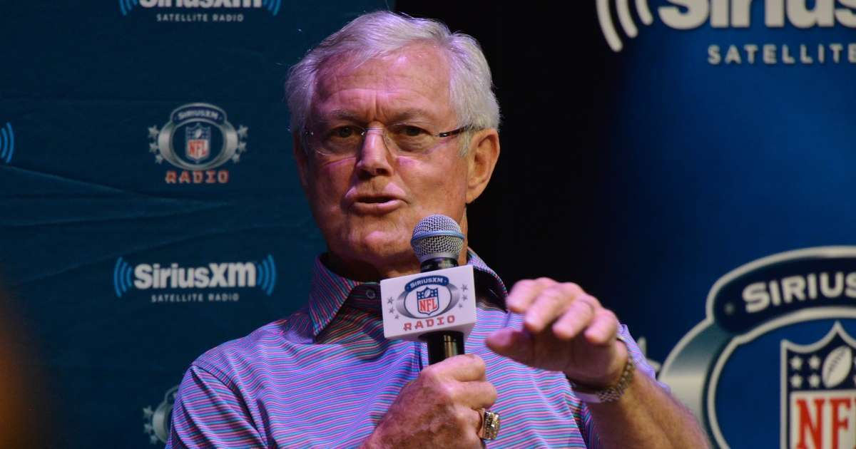 Former NFL coach Dick Vermeil blasts Deshaun Watson feud Texas change his daipers