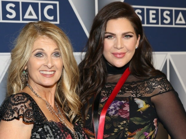 Lady A's Hillary Scott Says Sharing Opry Induction News With Mom Linda Davis Was 'Priceless'