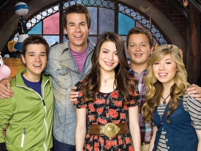 Miranda Cosgrove Reunites With 'iCarly' Co-Stars on Set of the Revival