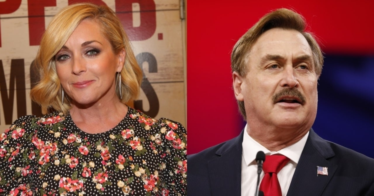 MyPillow CEO Mike Lindell and Jane Krakowski Reportedly Had 'Open Secret' Romance.jpg