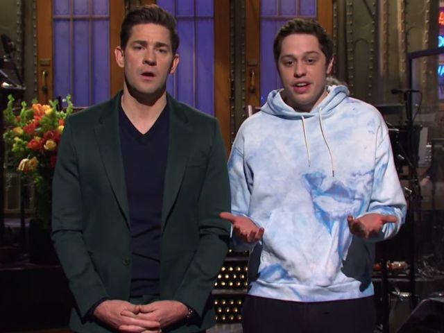 'SNL': John Krasinski Kisses Pete Davidson After 'The Office' Fans Derail Monologue