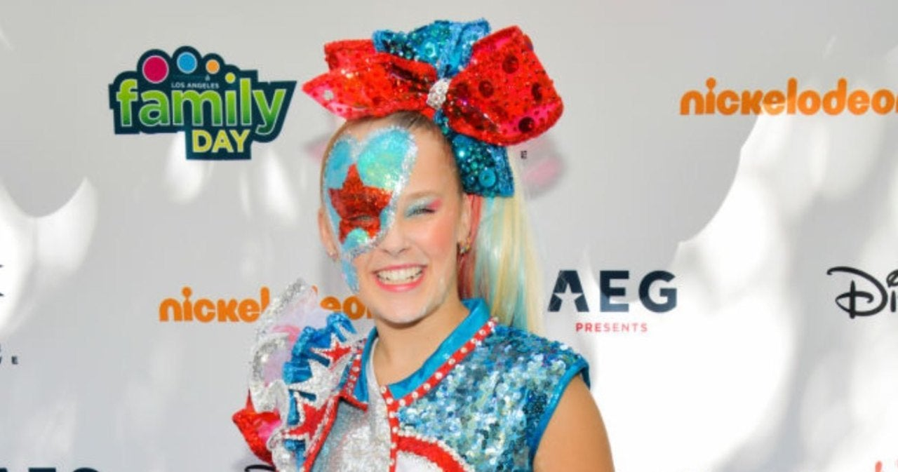 JoJo Siwa: Nickelodeon Has 'Never Been More Proud' of Young Star as She Comes Out.jpg
