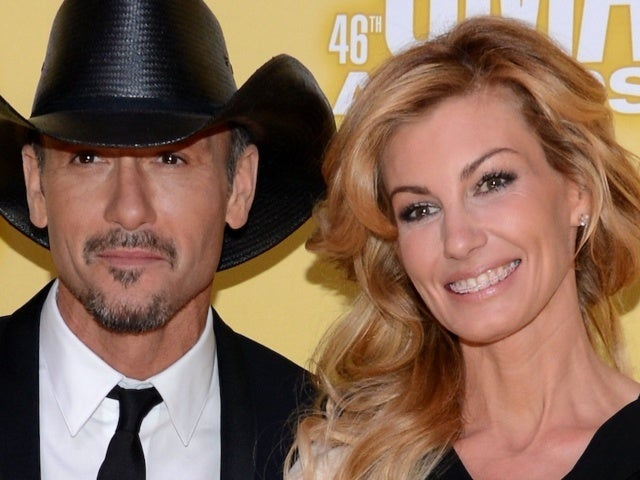 Tim McGraw and Faith Hill Share a Kiss in Pre-COVID New Orleans Throwback
