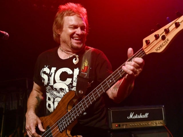 Van Halen Bassist Michael Anthony Regrets Having Unresolved Issues With Eddie Van Halen Prior to His Death