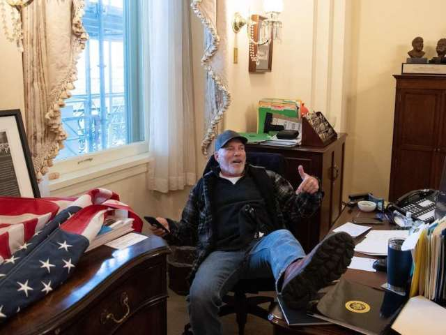 Pro-Trump Demonstrator Breaks Into Nancy Pelosi's Office, Poses for Photo and Leaves Note