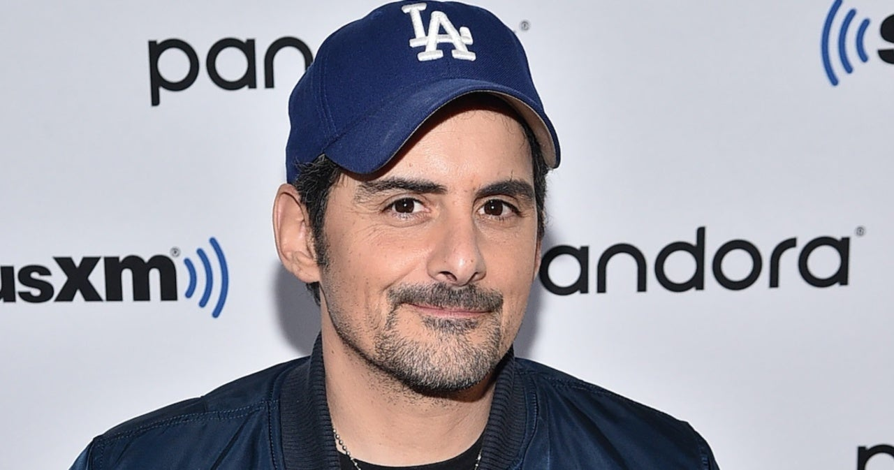 Brad Paisley Credits Peyton Manning for His Zoom Calls With Fans.jpg