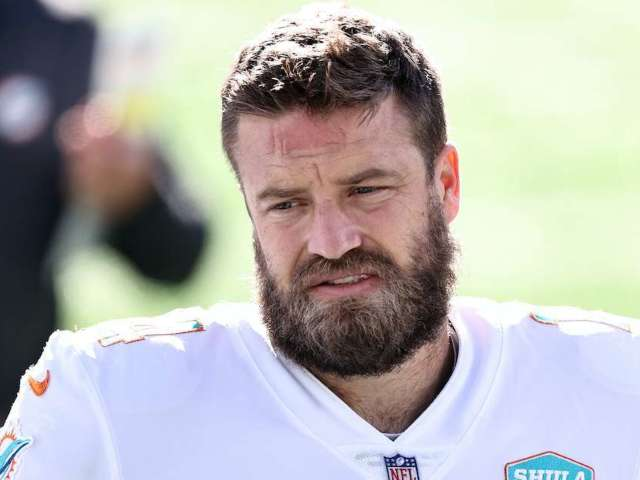 Miami Dolphins QB Ryan Fitzpatrick Tests Positive for COVID-19, out vs. Buffalo Bills