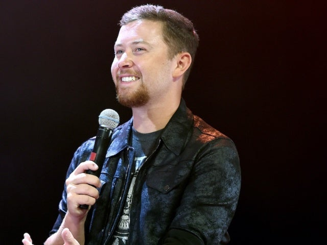 Scotty McCreery Has Become a Fan of Bananagrams in Quarantine