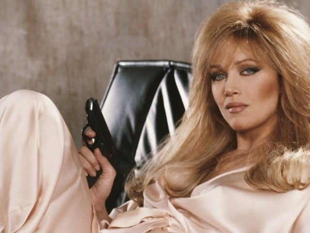 Tanya Roberts, 'Bond' Girl and 'That '70s Show' Actress, Dead at 65 (Update)