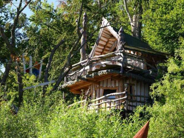 7 Epic Treehouse Cabins We Need to Escape to Right Now