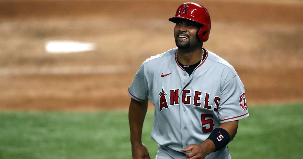 Albert Pujols considering retiring after 2021 season
