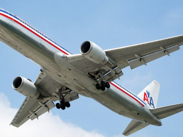 FBI 'Aware' of American Airlines Flight's Reported Close Encounter With 'Fast-Moving' UFO