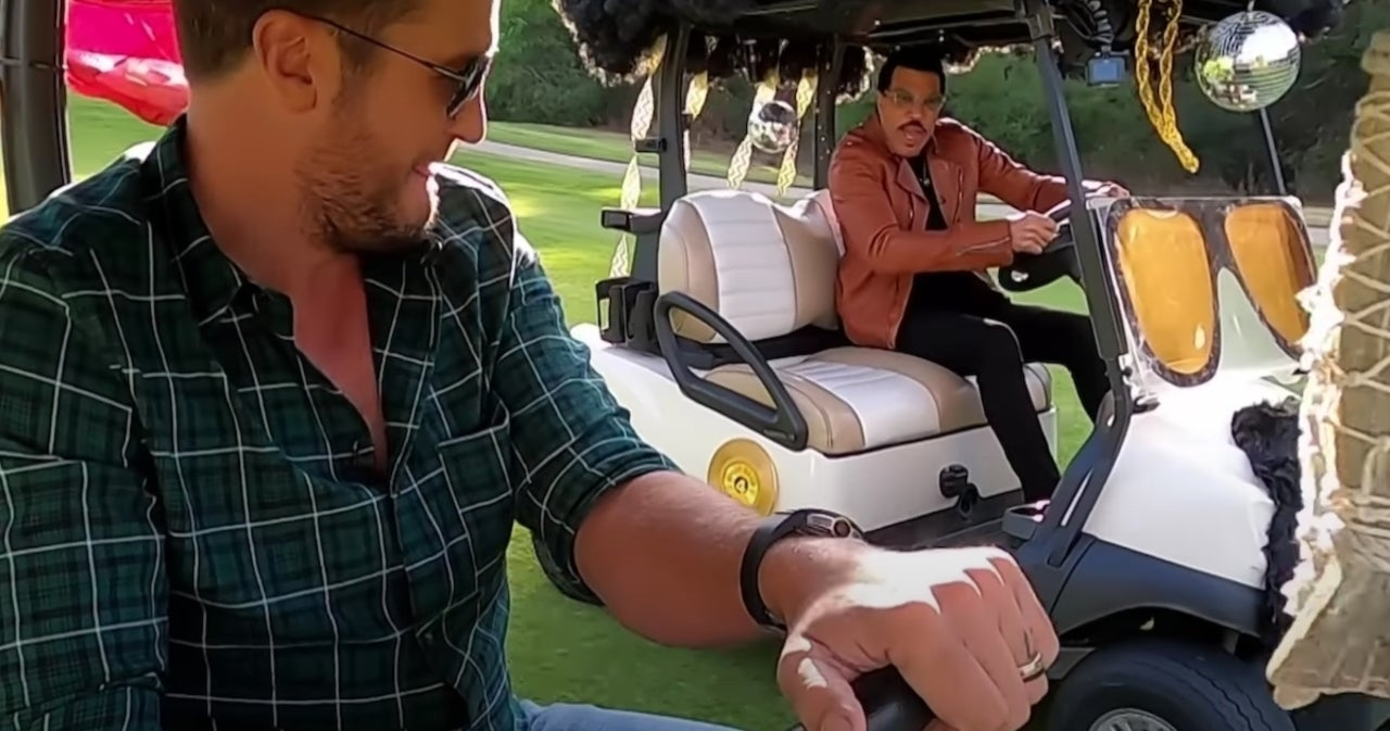 Luke Bryan and Lionel Richie Have a Golf Cart Race in New 'American Idol' Promo.jpg