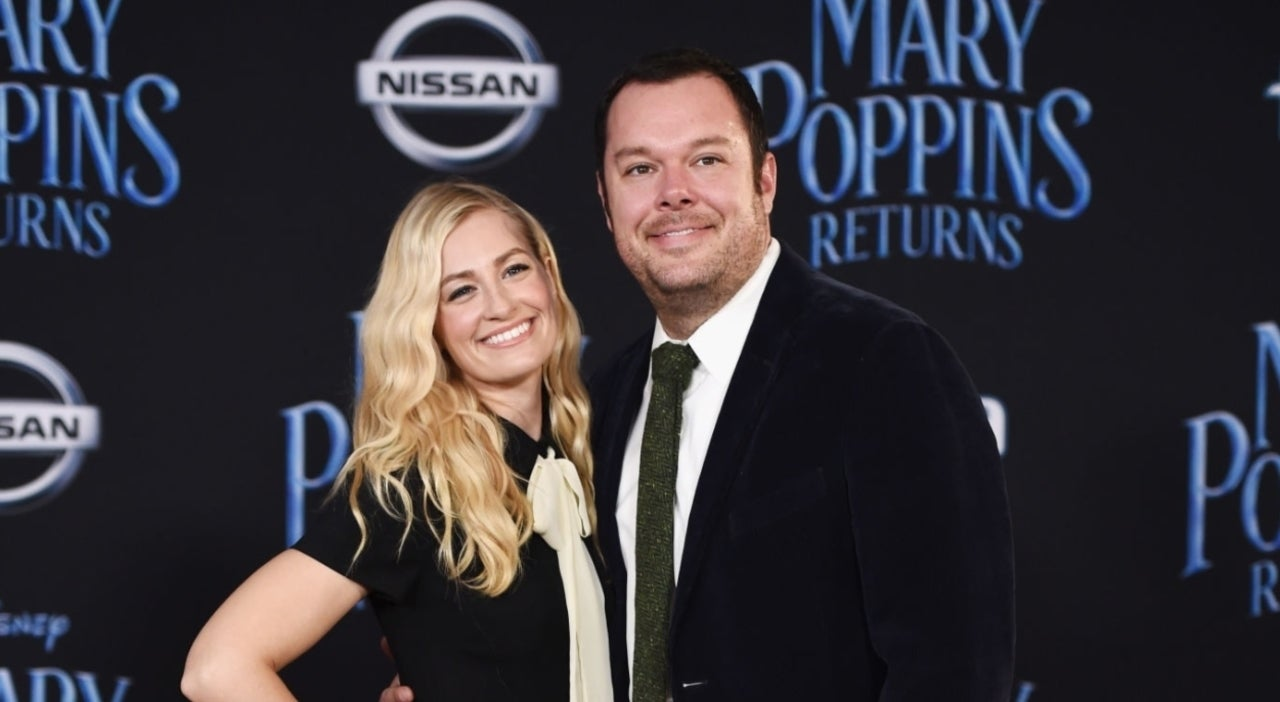 'The Neighborhood' Casts Beth Behrs' Real-Life Husband in Guest Role.jpg