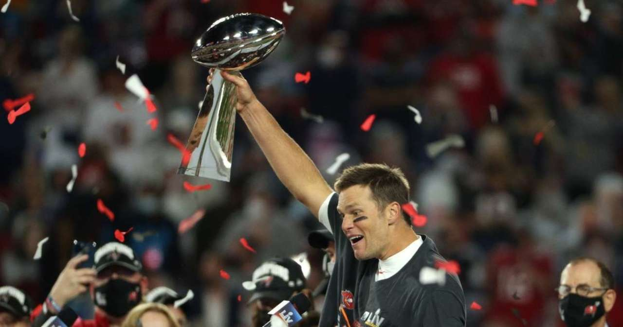 Buccaneers GM Says Contract Extension for Tom Brady Is a 'Possibility'.jpg