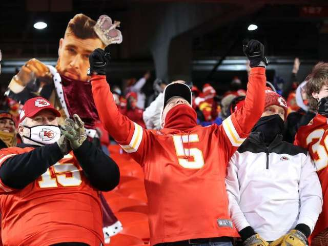 Kansas City Chiefs: All the Best Football Gear Fans Need Right Now
