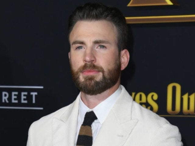 Christopher Plummer's 'Knives Out' Co-Star Chris Evans Mourns 'Unbelievable Loss'
