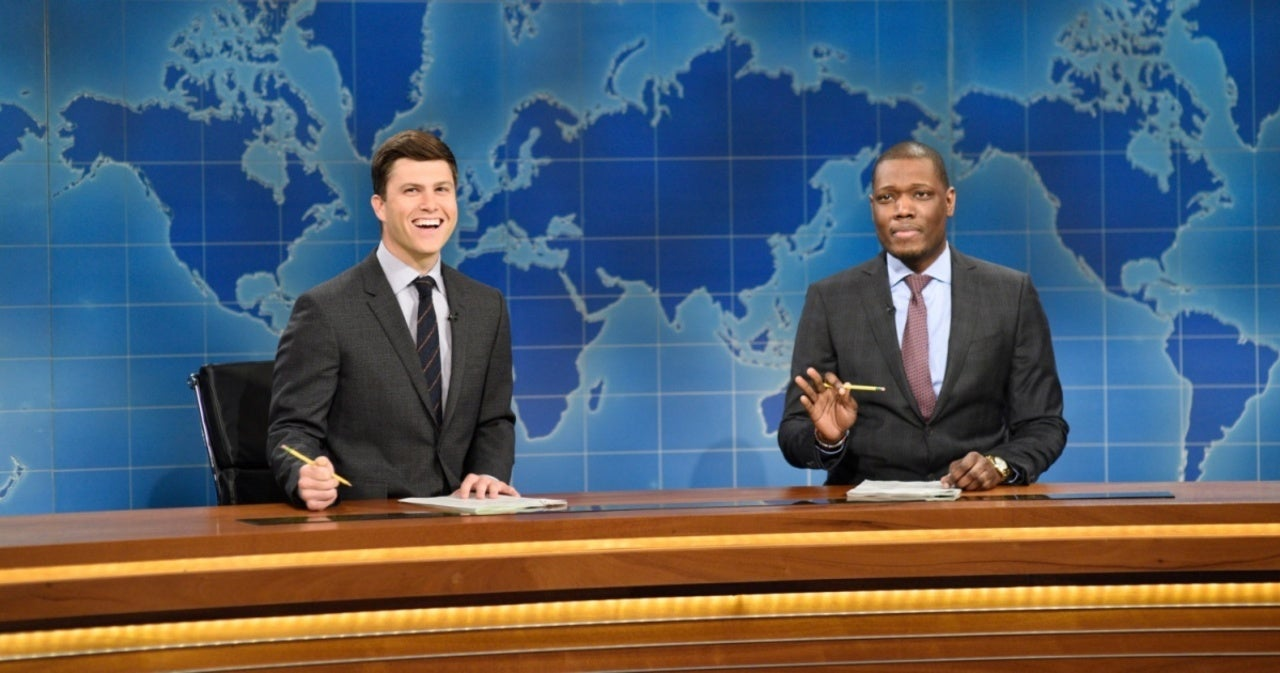 'SNL': Michael Che's Gift for Colin Jost and Scarlett Johansson Has Them Concerned.jpg