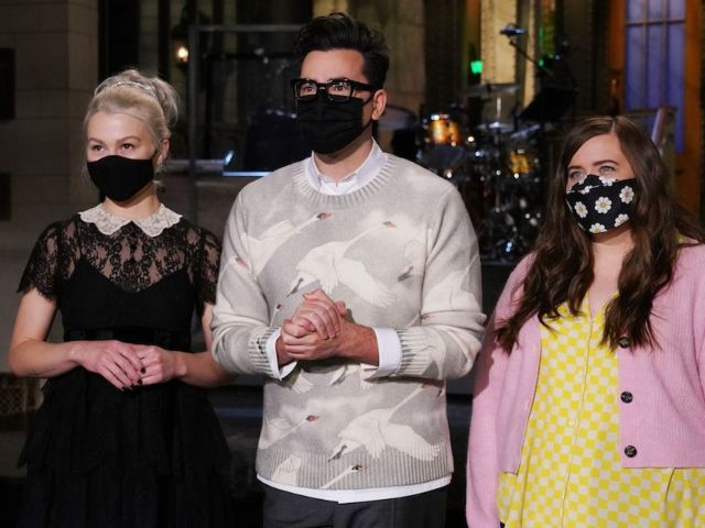 'SNL' Tonight: New Episode Features Dan Levy as Host, Phoebe Bridgers as Musical Guest