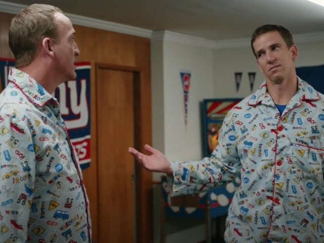 Peyton and Eli Manning Super Bowl Commercial: Brothers Wear Matching Pajamas in Frito-Lays Ad