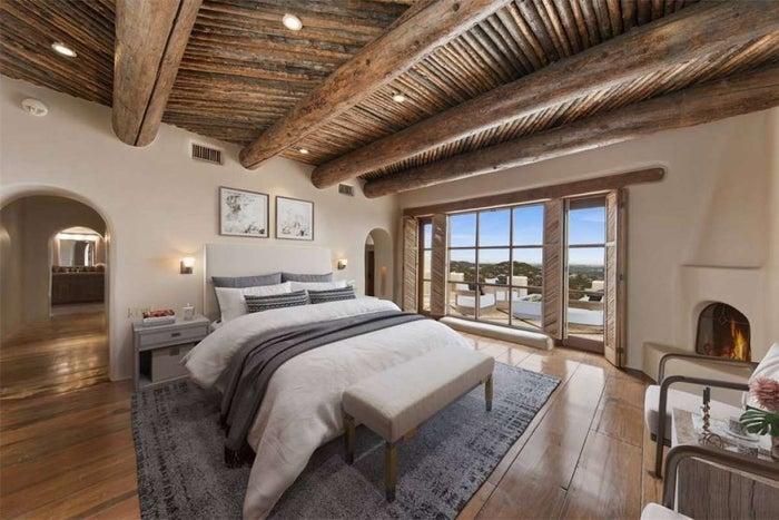 george strait bedroom
