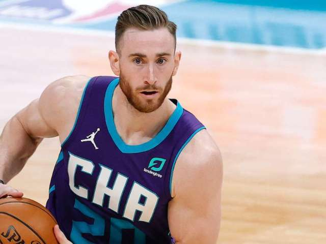 Kobe Bryant: Hornets' Gordon Hayward Honors Late NBA Icon With Custom Shoes