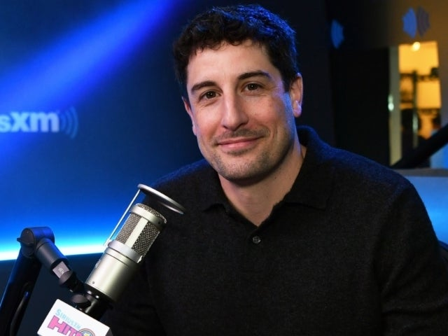 'How I Met Your Mother' Almost Featured 'American Pie' Star Jason Biggs in Lead Role