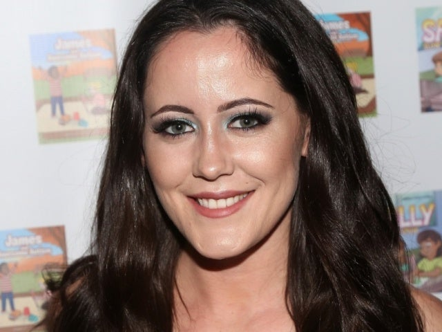Jenelle Evans Receives an Unlikely Defense Against Trolls of Her TikTok Dance Moves