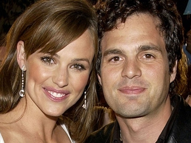 Jennifer Garner and Mark Ruffalo Have '13 Going on 30' Reunion in New Photo