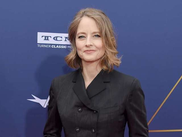 Jodie Foster Coyly Addresses Her Shailene Woodley-Aaron Rodgers Connection