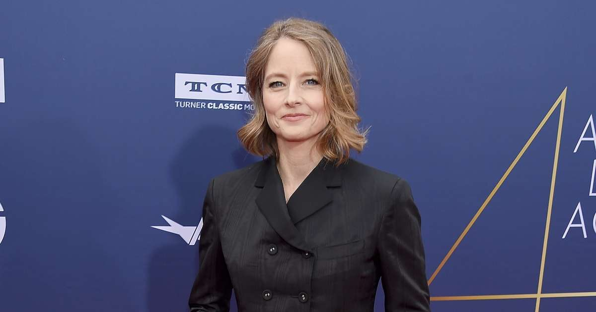 Jodie Foster Coyly addresses Shailene Woodley Aaron Rodgers connection