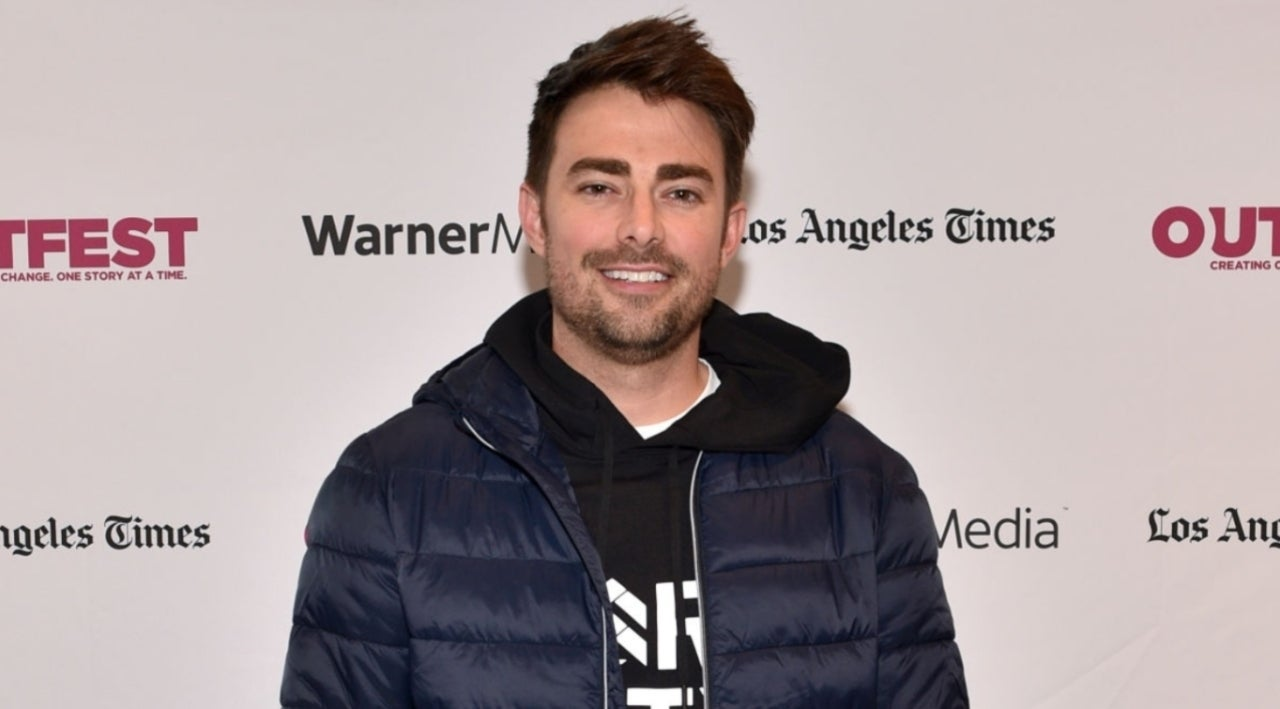 Jonathan Bennett Instagrams His Privates Due to Accidental Reflection in Photo.jpg