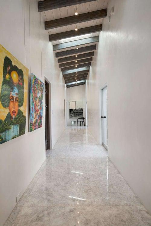 Justin Bieber Home - Hallway (9)