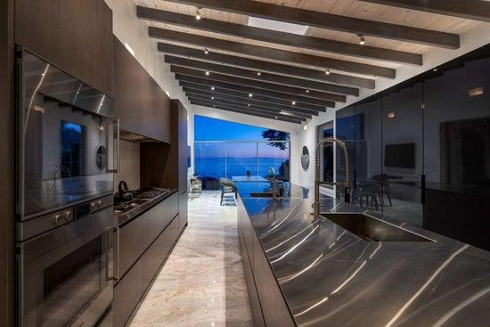 Justin Bieber Home - Kitchen (11)