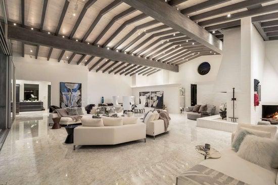 Justin Bieber Home - Living Room (4)