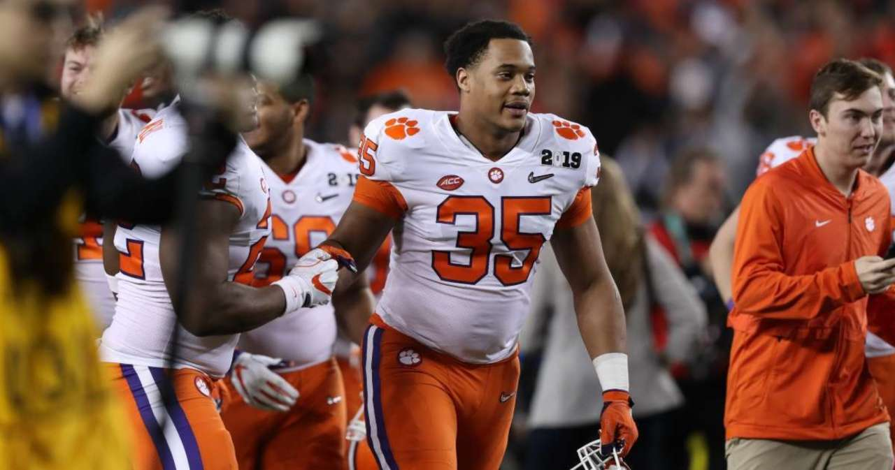 Justin Foster, Clemson Football Star, Forced to Retire Due to COVID-19 Complications and Asthma.jpg