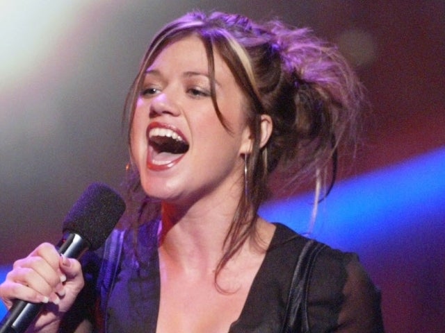 Kelly Clarkson Reveals Celebrities — Except 1 — Were 'Really Mean' to Her During 'American Idol' Days