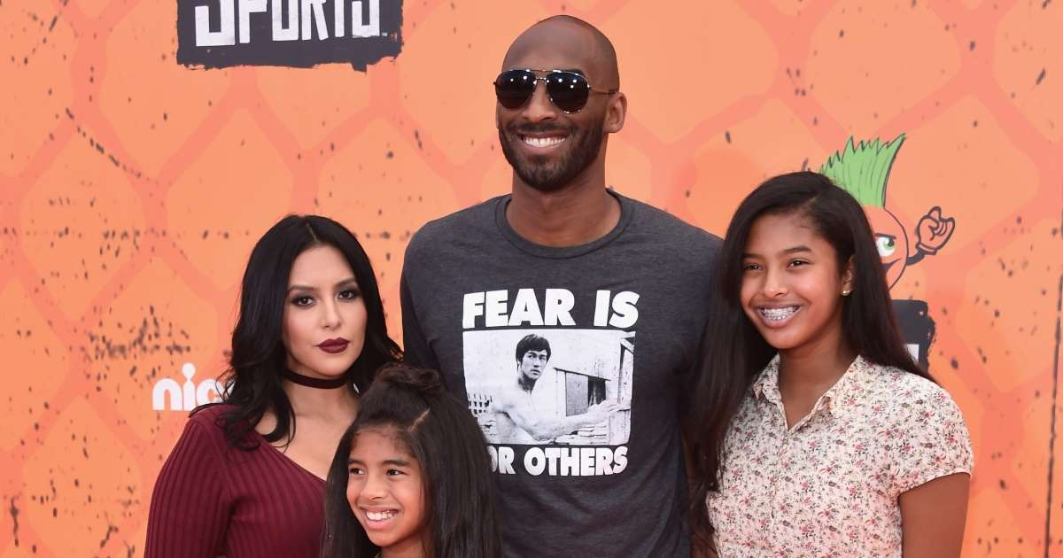 Kobe Bryant daughter Capri 1 wears shoes Nike line sweet photo