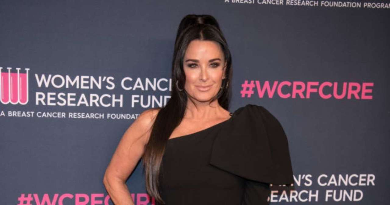 'RHOBH' Star Kyle Richards Mourns the Death of Her 'Loving' Dog Khloe.jpg