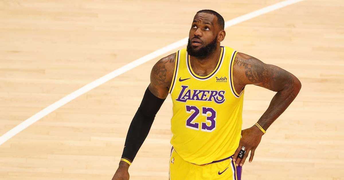 LeBron James calls fan courtside Karen after ejected for heckling Lakers star