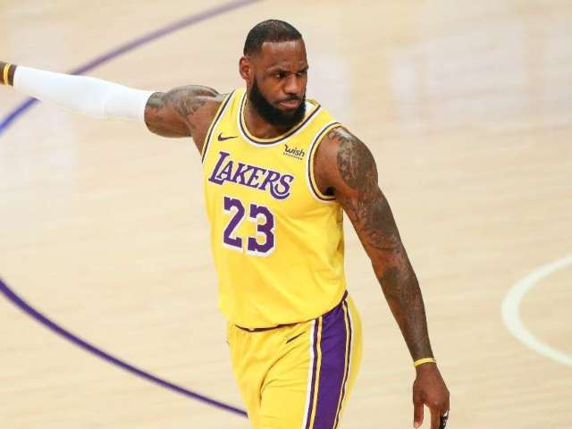 LeBron James to Surpass $1 Billion in Career Earnings in 2021, According to Report