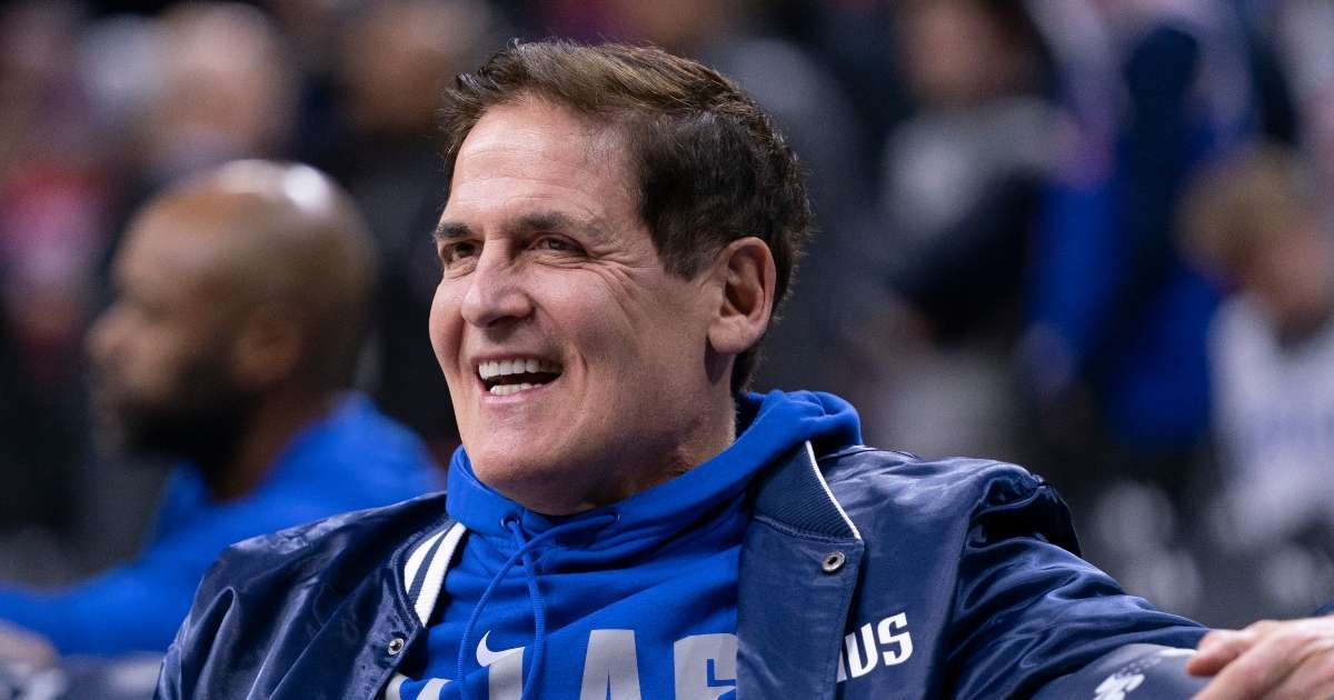 Mark Cuban national anthem boycott fans talking