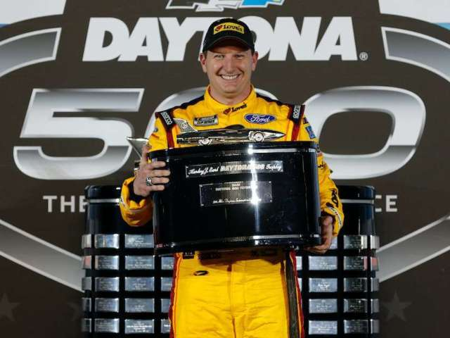 NASCAR Race: Daytona 500 Winner Michael McDowell Suffers Damage on First Lap, Brings out Caution