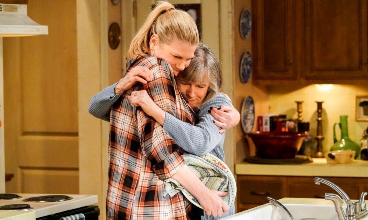 'Mom' Star Mimi Kennedy Speaks out Following Cancellation of CBS Sitcom.jpg