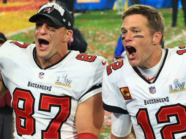 Patriots Send Message to Tom Brady, Rob Gronkowski After Winning Super Bowl With Buccaneers